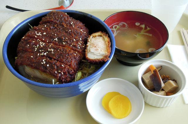 八幡平ポークのソースカツ丼